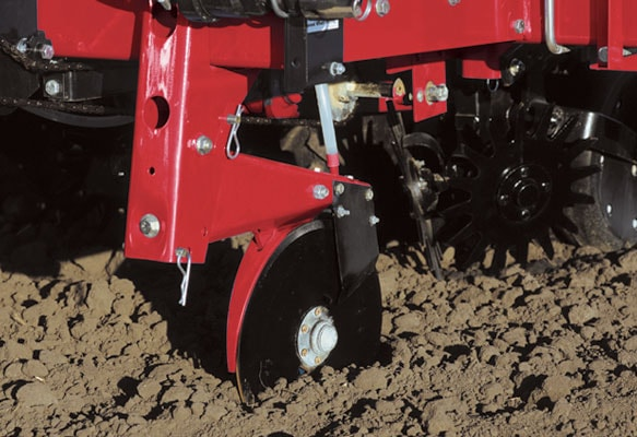 Case-IH-Liquid-Fertilizer-Attachments-3-min.jpg